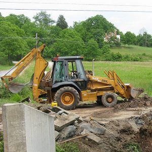 Backhoe-with-extenda-BOOM